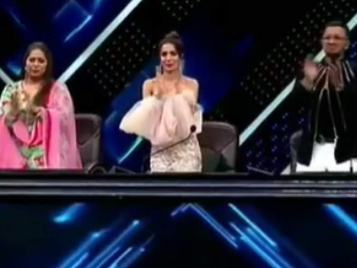 suraj-physically-disabled-contestant-receives-a-standing-ovation-from-the-judges-geeta-kapur-terence-lewis-and-mallika-arora-indias-best-dancer