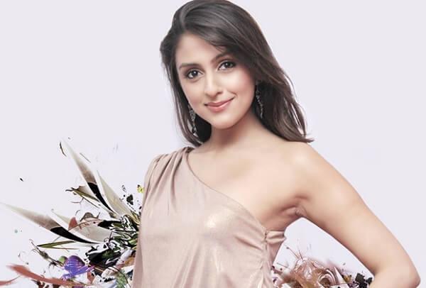 Season 4 (2011): Aarti Chabriya